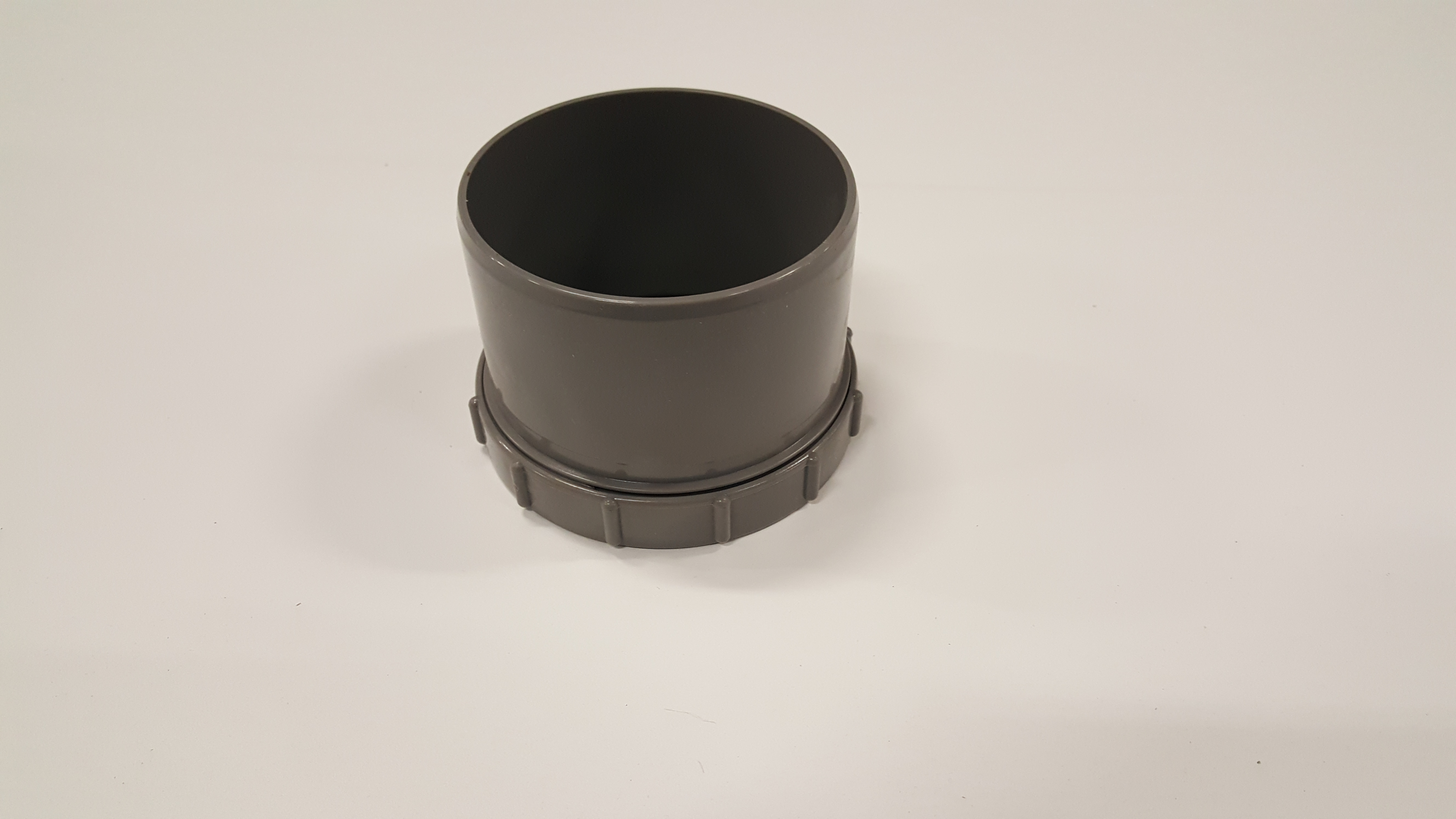 pvceindstukmetschroefdeksel110mm-1